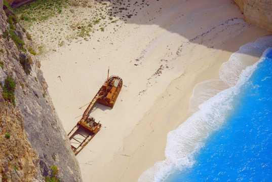 希腊扎金索斯沉船湾景观