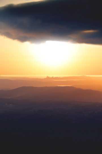 天边日落余晖景观图片