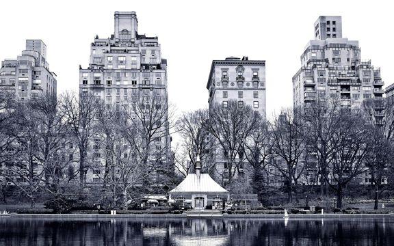 纽约河畔的建筑风景