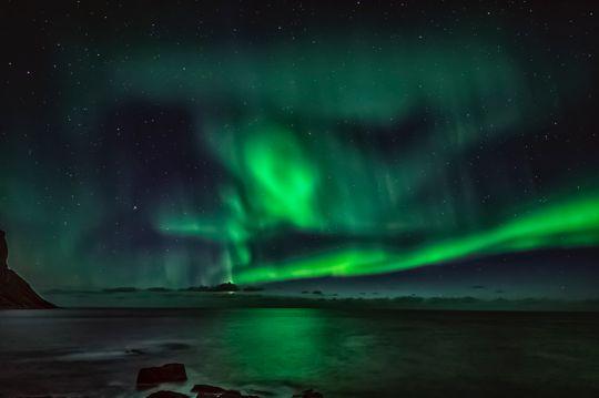 北欧海上极光