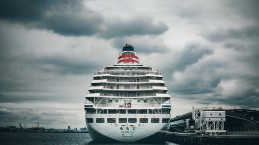 日本横滨港口的豪华邮轮飞鸟Ⅱ