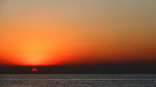 落日唯美迷人景色
