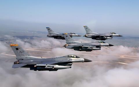 F 16战斗猎鹰的形成
