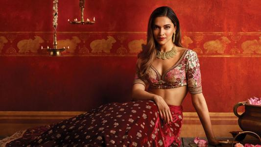 Deepika Padukone,Hot,Tanishq,Photoshoot