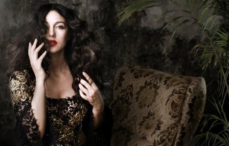 莫妮卡·贝鲁奇(Monica Bellucci),2015年最受欢迎明星,女演员,模特,红唇(水平)