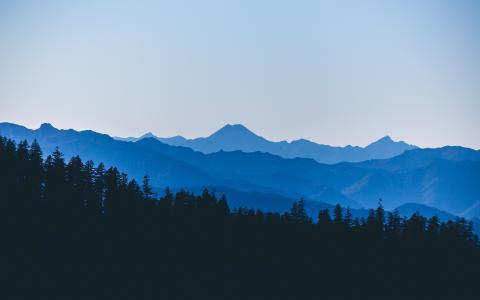 红色小山原野