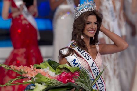 玛丽安娜·希门尼斯,2015年环球小姐,委内瑞拉小姐,选美大赛,模特(水平)