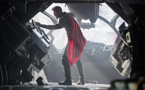 克里斯Hemsworth在Thor Ragnarok 4K