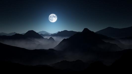 满月黑暗的山脉