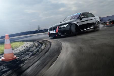 宝马M3,MR轿车设计,轿车(E90),黑色,漂移(水平)