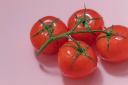 鲜艳可口的西红柿