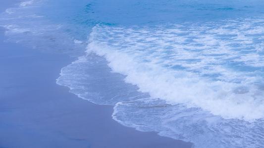 海浪清新迷人风光