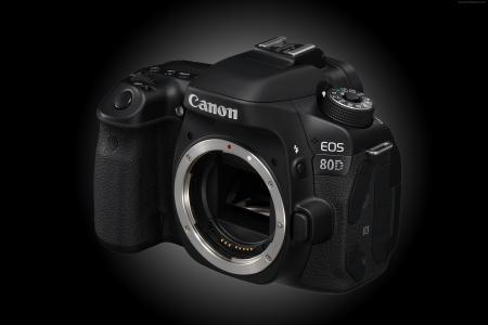 佳能EOS 80D,镜头EF-S 18-135mm f / 3.5-5.6,相机,评论,4k视频,佳能,单镜头,佳能变焦,反射(水平)