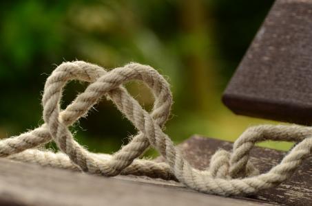 爱心形状的绳子