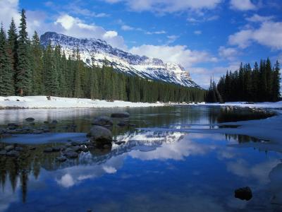 加拿大弓河城堡山