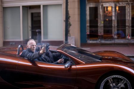 布鲁斯·威利斯,Looper,2015年最受欢迎明星,演员,汽车,枪(水平)