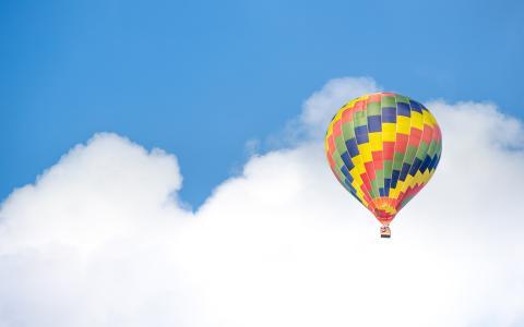 热空气气球乘坐天空云彩