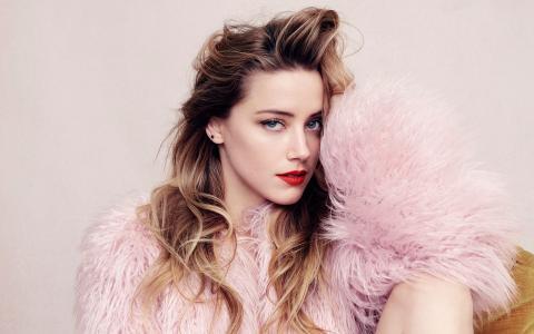Amber Heard Elle杂志