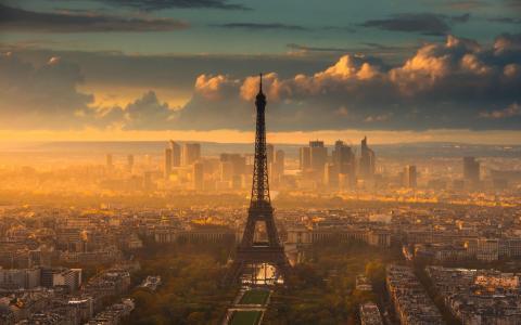 黄昏时的巴黎城市风光